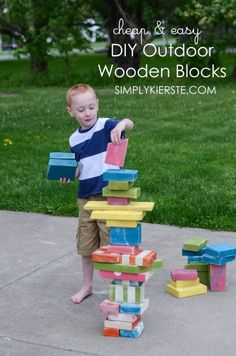 Turn scrap wood into the perfect outdoor wooden blocks for your kids to play with! Lots of fun for kids outside for a budget price! Diy Outdoor Toys, Kids Outdoor Play, Outdoor Play Spaces, Backyard Play, Kids Play Area, Outdoor Playground, Backyard For Kids, Outdoor Fun, Backyard Ideas