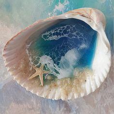 Custom gift Beach sand necklace Custom made resin jewelry Seashell Painting, Seashell Art, Seashell Crafts, Beach Crafts, Diy Resin Art, Diy Resin Crafts, Seashell Projects, Painted Shells, Beach Wedding Decorations