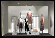 Tudo o que você precisa saber antes de abrir ou reformar uma loja! – VINTI VM Window Display Design, Store Window Displays, Visual Merchandising Displays, Visual Display, Boutique Interior, Propaganda Visual, Fashion Displays, Store Interiors, Store Windows