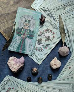 Tarot Cards For Beginners, Oracle Tarot, Tarot Learning, Tarot Card Meanings, Cartomancy, Tarot Card Decks, Modern Witch, Witch Aesthetic, Indian Paintings