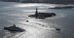 Whale seen near Statue of Liberty, prompting Coast Guard warning #Cronaca #iNewsPhoto
