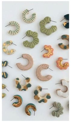 Diy Earrings Polymer Clay, Fimo Clay, Polymer Clay Crafts, Polymer Clay Tutorials, Earrings Crafts, Polymer Clay Creations, Handmade Polymer Clay, Ceramic Jewelry, Cold Porcelain Jewelry