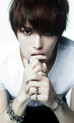 I didn't know that a man could be gorgeous, yet still masculine till I saw Jaejoong