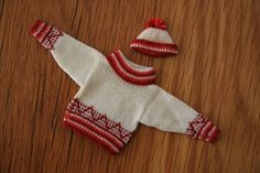 Chrystal's Designs: Miniature Knitting in the Studio