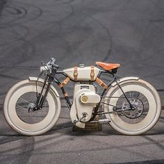 10mstraps:  Local Motors Cruiser
