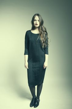 MASKA Ester pleated dress | 70% extra fine wool, 30% silk | Knitted in Nepal | www.maska.se