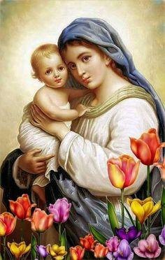 Notre-Dame avec des fleurs