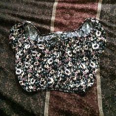 strapless crop top Adorable and super comfy ! Trade value$20 Charlotte Russe Tops Crop Tops