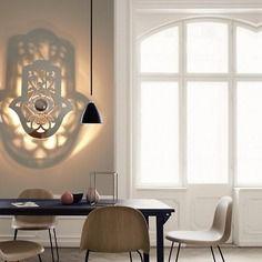Applique luminaire design de createur - main de fatma - miroir 70x57cm