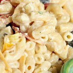 ) elbow macaroni (elbow macaroni or any pasta packet Hidden Valley® Original Ranch Salad® Dressing & Seasoning Mayo Pasta Salad Recipes, Bacon Ranch Pasta Salad, Vegetarian Salad Recipes, Salad Recipes Video, Pasta Salad Italian, Bacon Pasta, Pasta Salad For Kids, Easy Pasta Salad, Orzo