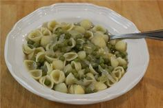 Pasta & Peas!   Sounds good & I'll have to try them with my garden fresh peas!