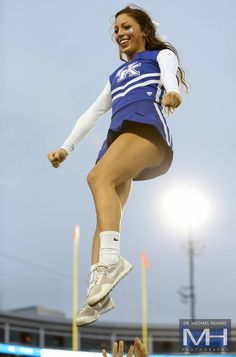 """Pin from """"long hunter"""" : Kentucky Cheerleader College Cheerleading, Cheerleading Pictures, Girly Games, Cute Cheerleaders, Professional Cheerleaders, Beautiful Athletes, Hottest Female Celebrities, Athletic Women, Woman Face"""