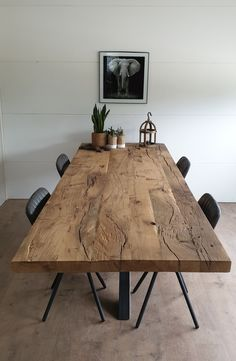Old oak dining table # dining room # dining table # old oak # industrial # living ins … - Modern Living Room Decor, Living Spaces, Oak Dining Table, Industrial Living, Industrial Interiors, Industrial Table, Home Inspection, Dining Room Design, Dining Rooms