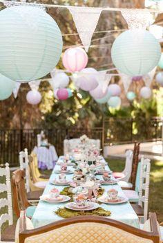 Shabby Chic Alice In Wonderland Birthday Party | Pinterest ...