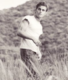 Vampire Diaries  Paul Wesley