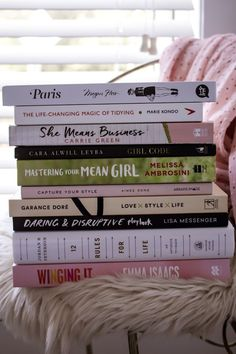 Must read books for Every Girl Boss We all need a book to awaken our inner girl boss and get ourselves motivated. My complete list of must read books for every girl boss!