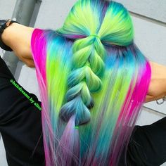 Neon Godess 💜💛💚💙💚💛💜 I prelightened to a clean level 10 blonde and dyed with neon color and neon colors this… Hair Dye Colors, Cool Hair Color, Hair Colour, Neon Hair, Pastel Hair, Crazy Braids, Aqua, Rainbow Hair, Wig Hairstyles