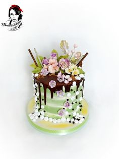 Easter drip cake by Ivon