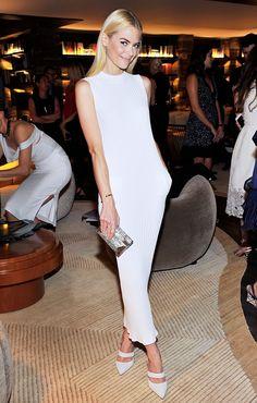 Jamie King just looks define in this Wes Gordon dress! Style Tip: Knitwear Dress + Metallic Clutch + Pointy-Toe Pumps