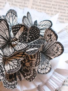 Poppytalk - The beautiful, the decayed and the handmade: DIY: Butterfly Badge