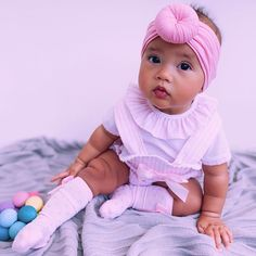 Candy Stripe Romper and socks. Outfit details on post.  #romper #cutebaby #babygirlfashion #babyootd #babygirloutfits #babyfashion