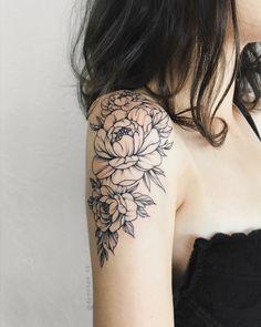 Demchenko Nastya – foot tattoos for women quotes Cap Sleeve Tattoos, Quarter Sleeve Tattoos, Tattoo Sleeve Designs, Flower Tattoo Designs, Shoulder Cap Tattoo, Shoulder Tattoos For Women, Flower Tattoos On Shoulder, Peony Flower Tattoos, Peonies Tattoo