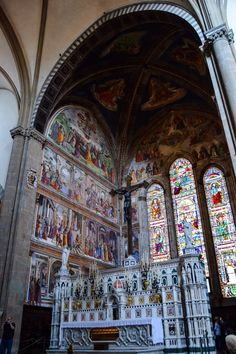 Altar de la Basilica de Santa Maria Novella (Florence - Italy) ✈✈✈ Don't miss your chance to win a Free Roundtrip Ticket to Pisa, Italy from anywhere in the world **GIVEAWAY** ✈✈✈ https://thedecisionmoment.com/free-roundtrip-tickets-to-europe-italy-pisa/