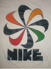 How to Identify Vintage Nike Clothing - InfoBarrel Vintage Nike, Vintage Shirts, Vintage Outfits, Vintage Clothing, Nike Outfits, Sport Outfits, Nike Design, Nike Company, Nike Gear