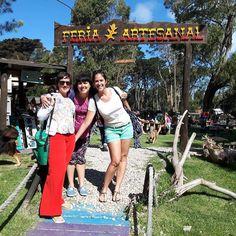 Y después de la #playa nos fuimos al #BosquePeraltaRamos!  Recorrinos el barrio visitamos la  #FeriaArtesanal y tomamos matecitos a la sombra de los árboles. Un día espectacular! Y nos vamos  a tomar cervecita artesanal para coronar!  PD: no le estoy tocando el culo a Sam lo juro jajajaja  #MarDelPlata #BuenosAires #Argentina