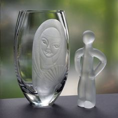 J. O. Lake 1960s Engraved 9 Art Glass Vase, Young Woman with Fan, Ekenäs Sweden My Glass, Glass Art, Glass Collection, Smile Face, Hand Blown Glass, Young Women, Sweden, 1960s, Vase
