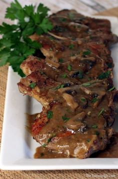 Although pork chops can be fried: no oil, just press them down on the hot pan, if you want to get fancy: Easy Skillet Pork Chops Smothered in Mushroom Gravy. Comfort food flavor with healthy ingredients and no butter or canned soup. Pork Chop Recipes, Meat Recipes, Dinner Recipes, Cooking Recipes, Healthy Recipes, Skillet Recipes, Cooking Ideas, Yummy Recipes, Healthy Food