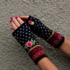 Handmade Embroided Fair Isle Fingerless Mitts in Boho Style by Dom Klary - handschuhe sitricken Crochet Gloves Pattern, Crochet Mittens, Mittens Pattern, Knitting Socks, Fair Isle Knitting Patterns, Fingerless Gloves Knitted, Wrist Warmers, How To Purl Knit, Knitting Accessories