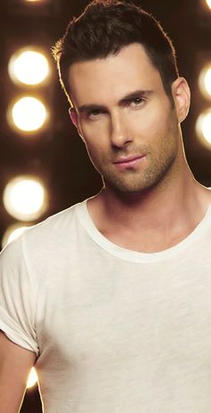 Adam Levine looks Fckng perfect!