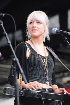 Megan Lovell of Larkin Poe Recording Studio Design, Guitar Girl, Female Guitarist, Rock Style, Playing Guitar, Heavy Metal, Bass, To My Daughter, Interview