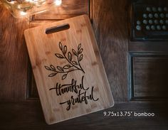 THANKFUL Grateful  design, family cutting board  shower, housewarming, engraved wood cutting board, wedding gift engagement, gift for Mom