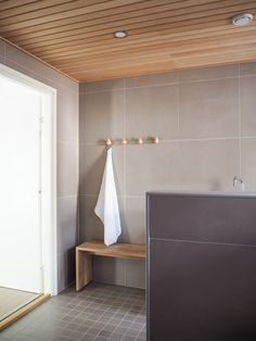 Interior Design Ideas and Home Decor Inspiration Laundry Room Bathroom, Bathroom Toilets, Downstairs Bathroom, Laundry Rooms, Bad Inspiration, Bathroom Inspiration, Bathroom Interior, Modern Bathroom, Sauna Design