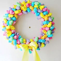 Sweet Spring Peep Wreath | AllFreeKidsCrafts.com....good way to let those peeps get stale....which is how I like them.