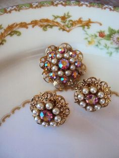 Vintage Mid Century Brooch and Earrings Set by primitivepincushion, $24.99
