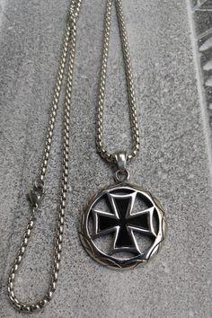 Ανδρικό κολιέ σταυρός από ανοξείδωτο ατσάλι 'Crusader' Men Necklace, Pendant Necklace, Necklaces, Chain, Jewelry, Jewlery, Bijoux, Jewerly, Wedding Necklaces