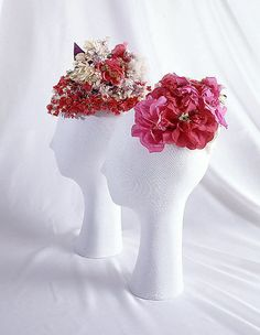 Elsa Schiaparelli Haute Couture Hat from summer 1940 made from assorted silk millinery flower. House of Schiaparelli. Elsa Schiaparelli, 1940s Fashion, Vintage Fashion, Women's Fashion, Hunger Games Costume, Italian Fashion Designers, Fascinator Hats, Fascinators, Flower Hats