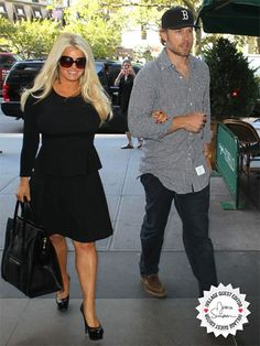 Work It Out! Stars' Secrets to Shaping Up #ivillage #jessicasimpson #feelgoodfall