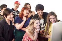 Youtuber brasileiro vencedor de 'Entubados' entrevistará Miley Cyrus e Adam Levine