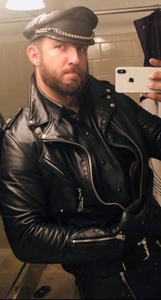 Men's Leather Jackets: How To Choose The One For You. A leather coat is a must for each guy's closet and is likewise an excellent method to express his individual design. Leather jackets never head out of styl Biker Leather, Leather Men, Black Leather, Leather Jackets, Leather Pants, Great Mens Fashion, Man Set, Leather Fashion, Men's Fashion