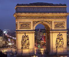 Arc de Triomphe Paris. By Hotelied.
