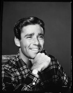 Peter Lawford Died December 24, 1984. Born September 7, 1923. uploaded by www.1stand2ndtimearound.etsy.com