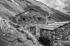 Jagdhausalm - #Osttirol #East #Tyrol #hiking Hiking, Cabin, House Styles, Decor, Hunting, Walks, Cabins, Decorating, Cottage