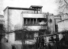 Marcel Janco, Jean Fuchs (wine merchant) house, 33 Negustori Str, was the first cubist house in Bucharest, now dem. Marcel, Cubist Architecture, Villa, Small Art, Postmodernism, Modern Buildings, Bauhaus, Romania, Tempera