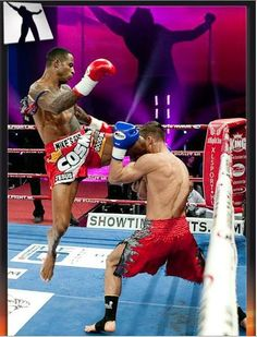 This is what muay thai is all about... the art of 8 limbs! A pretty awesome, badass flying knee to the face!