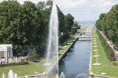 """Jardines del Palacio de Pedro I St. Petersburgo  <a href=""""http://nuestrodioselhombre.blogspot.com.es/"""" rel=""""nofollow"""">nuestrodioselhombre.blogspot.com.es/</a>  APLICA, EN TODO LO QUE DIGAS Y HAGAS, TODO EL AMOR TOTAL QUE DISPONGAS Y PUEDAS... SIN QUE NADA NI NADIE, TE HAGAN DESFALLECER. (NDEH)"""