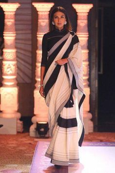 Xhosa Attire, Indian Attire, Saree Wearing Styles, Saree Styles, Trendy Sarees, Stylish Sarees, Indian Dresses, Indian Outfits, Modern Saree